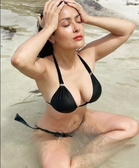 Salma Hayek declara que seguirá posando en bikini