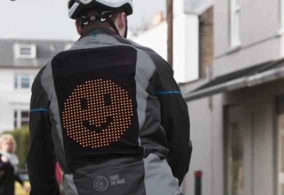 Ford lanza su Chaqueta Emoji para ciclistas