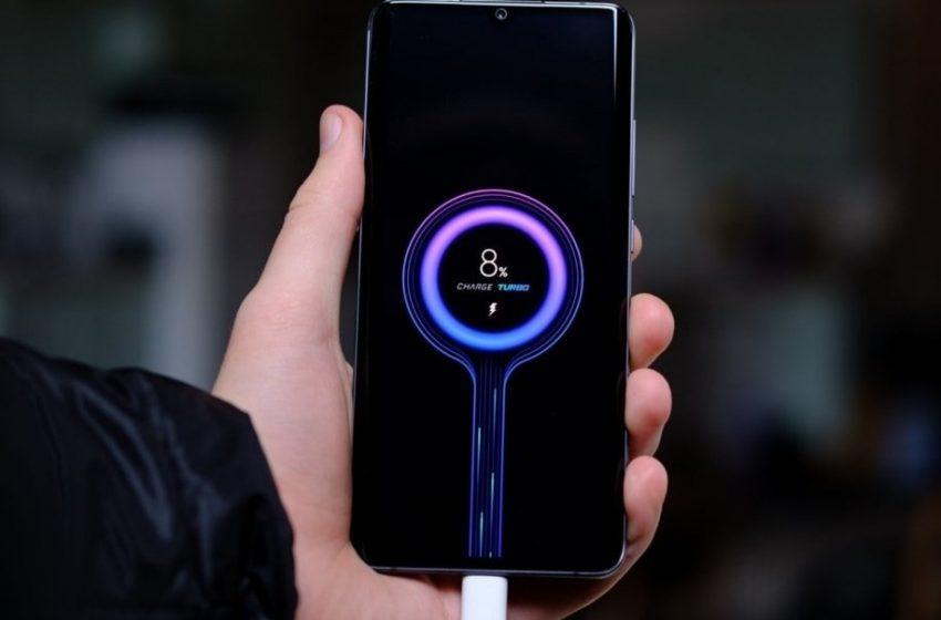 Xiaomi carga su smartphone en 8 minutos con el sistema de 200W