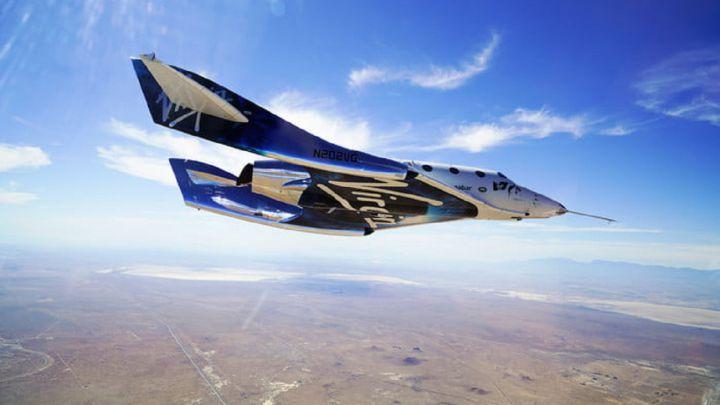 Richard Branson regresa a la Tierra tras viajar al espacio