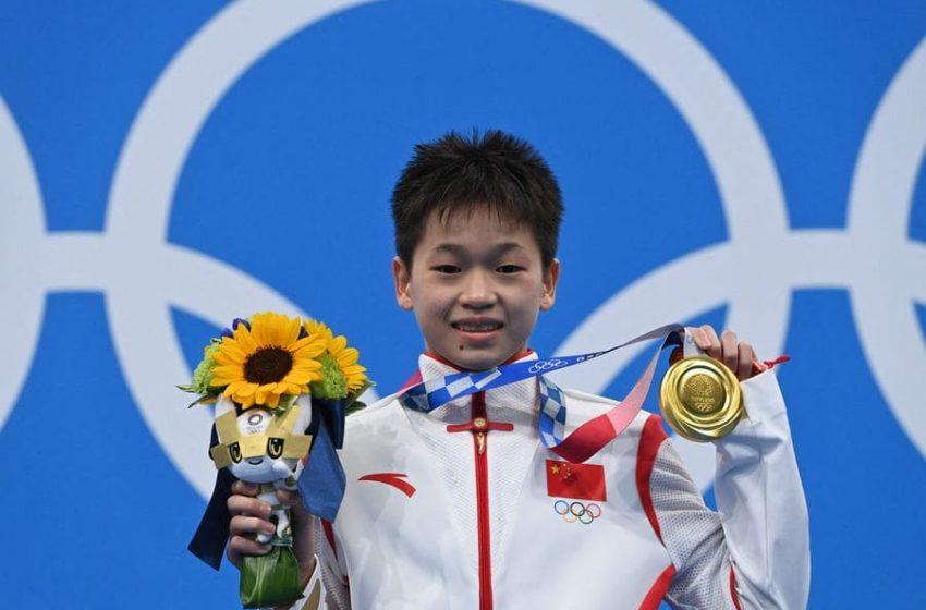 Quan Hongchan con 14 años ganó el oro en clavado