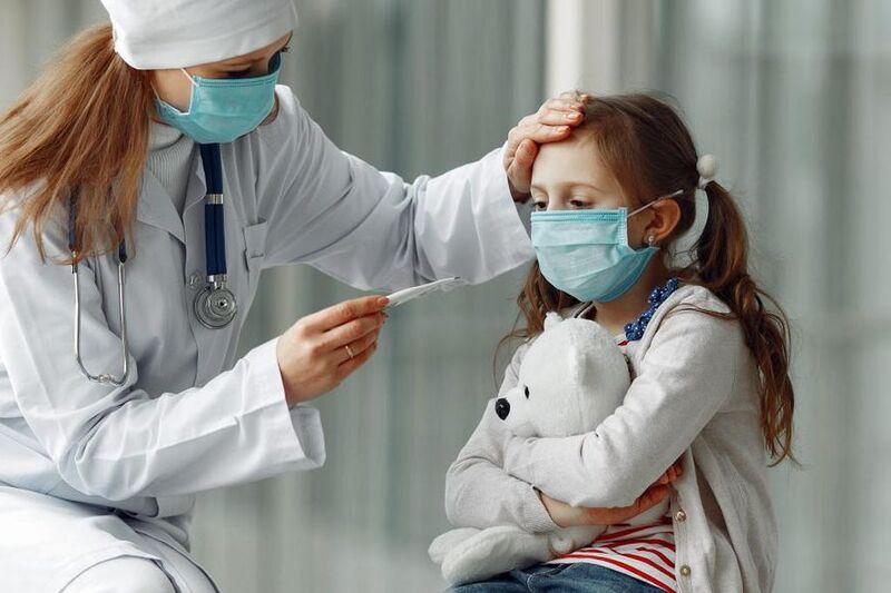 Estados Unidos tiene 1450 niños internados con coronavirus